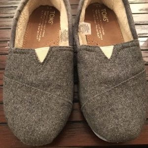 Toms Youth Sz 1 Unisex Grey Wool Slip On Shoes